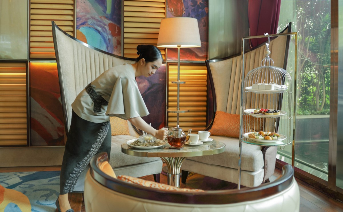 Enjoy High Tea at The Writers Bar in Raffles Jakarta - Eat ...